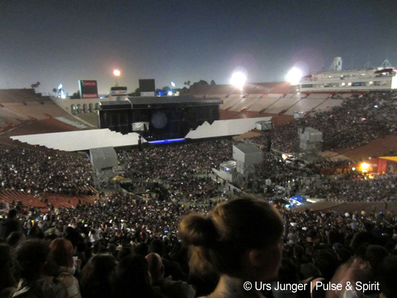 Roger Waters 19.5.2012 Los Angeles Coliseum