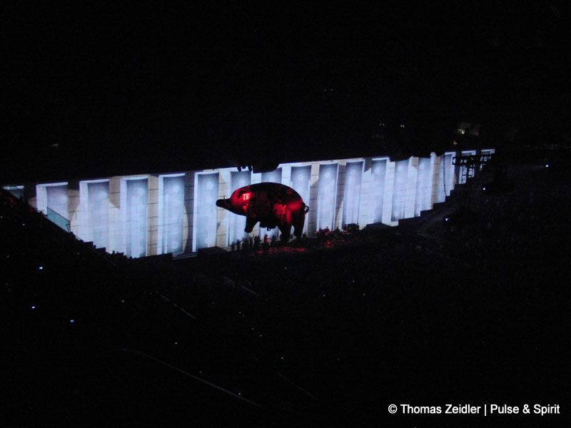 Roger Waters 4.11.2010 East Rutherford Izod Center
