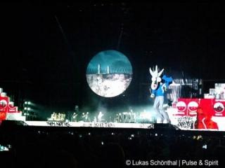 Roger Waters 6.7.2012 New York Yankee Stadium