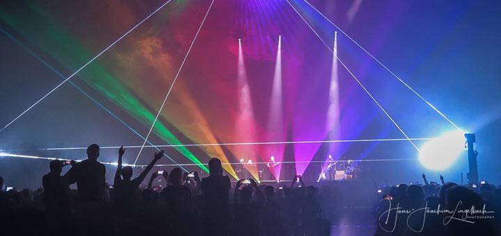 Raumschiff Battersea Zweites Roger Waters Konzert In Berlin Pink