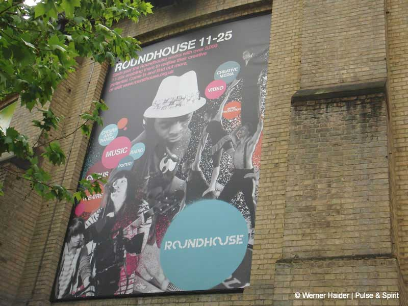 London Roundhouse 15.5.2011
